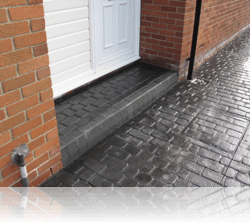 Boot Kerb Step in Country Cobble