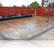 Random Ashlar Patio in Rustic Sandstone
