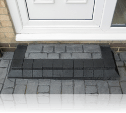 Boot Kerb Type Step in Country Cobble