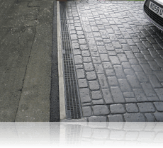 ACO Drain Country Cobble Platinum Grey Double Cobble Edging with Aco Drain