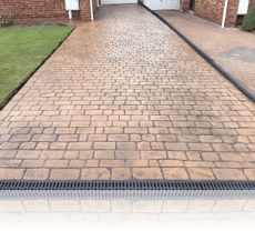Country Cobble Drive in Rustic Sandstone